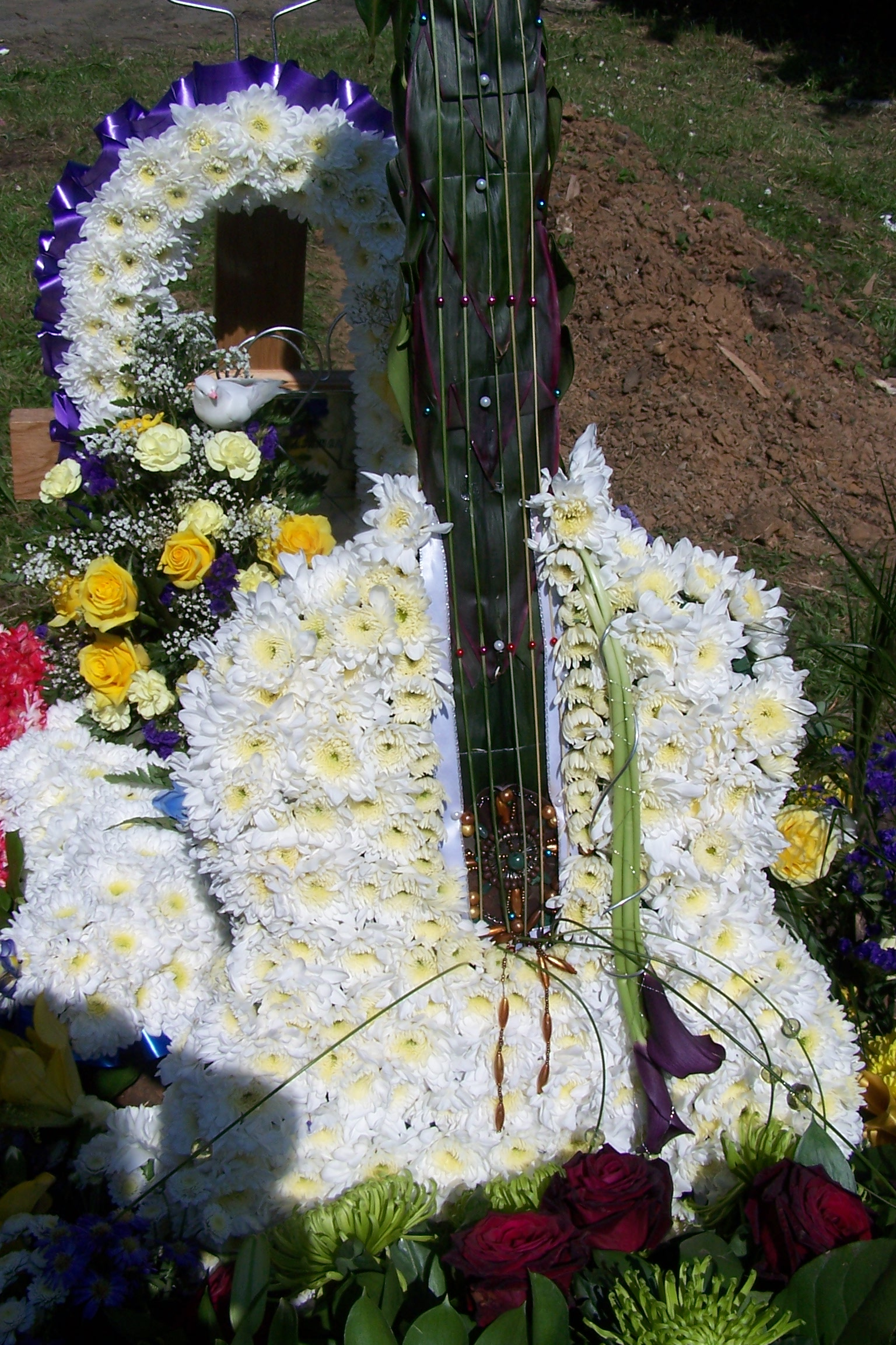 Laughter happiness and flowers at this weeks funeral the london eco funeral flowers izmirmasajfo