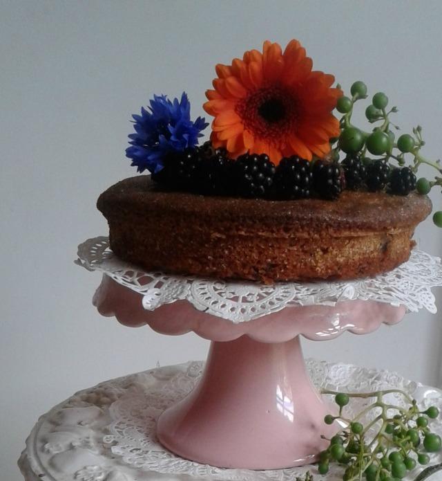 gebera berries and cake