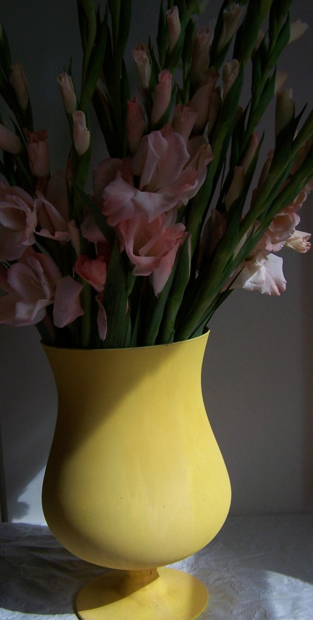 the london flower lover gladioli and yellow vase