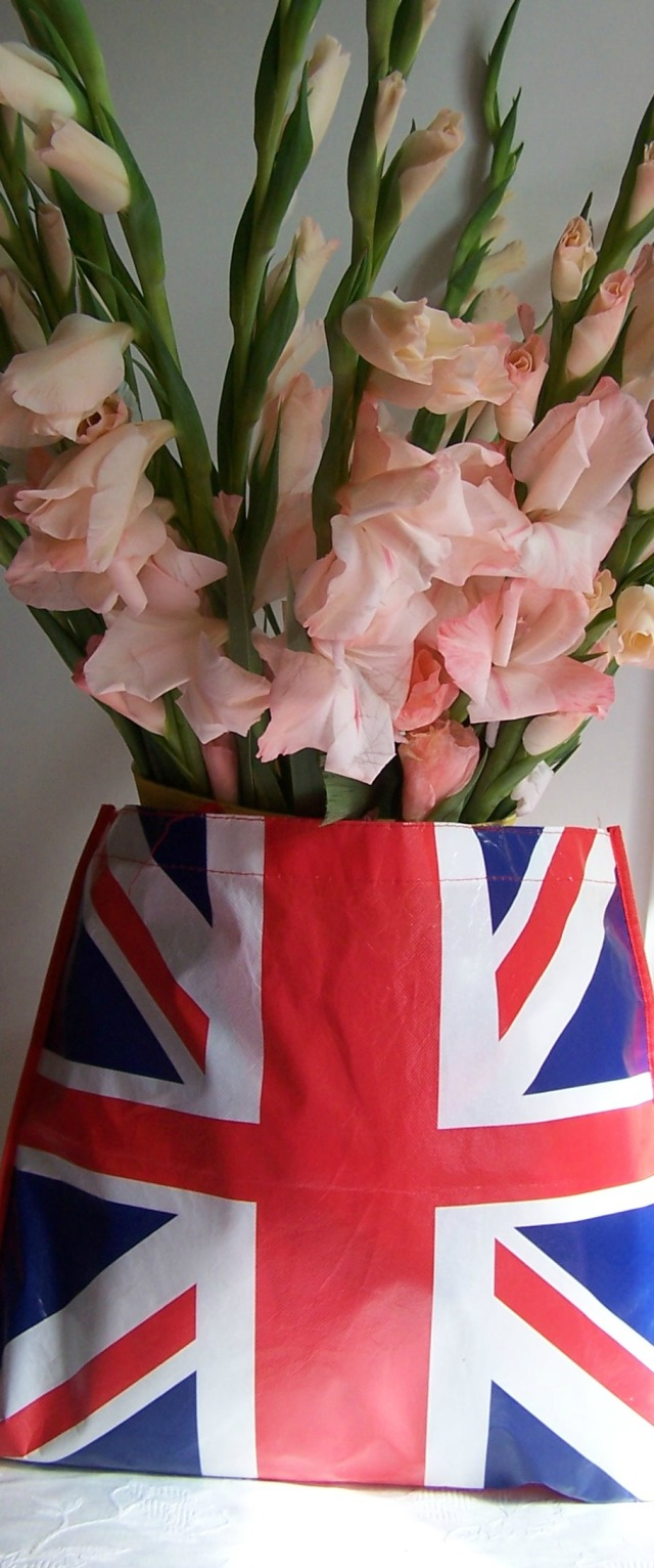 thelondonflowerlover in Britsh flag