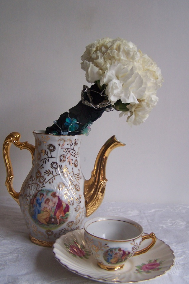 The London Flower Lover flower bouquet tea and teacup
