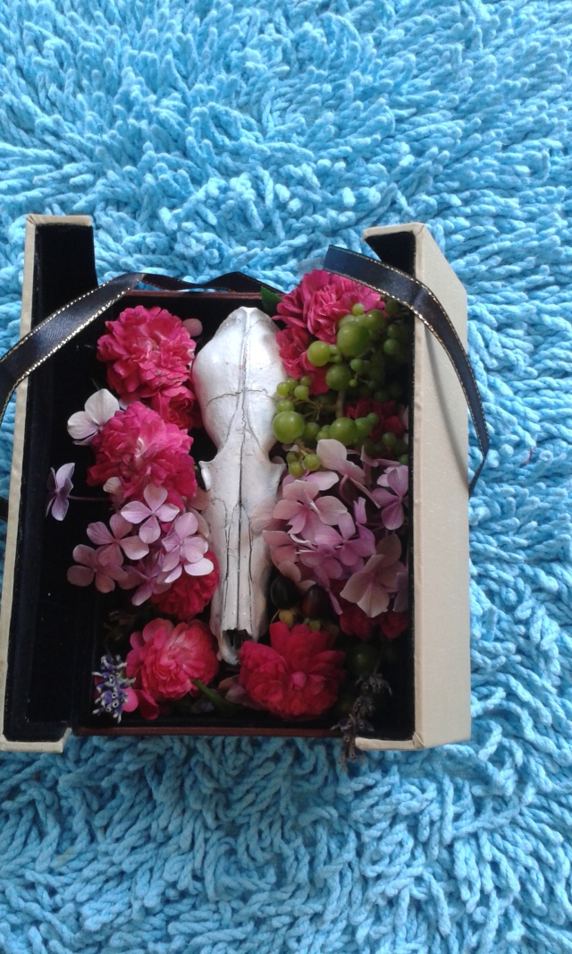 skull and flowers 019
